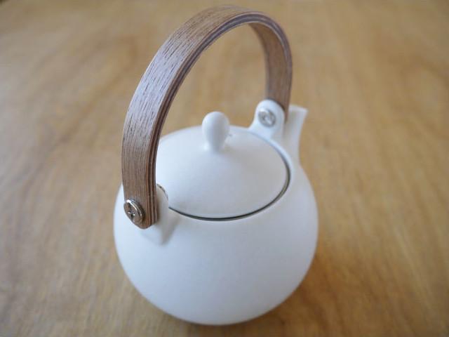 急須 白 かわいい SALIU土瓶急須 木製持ち手 かご網